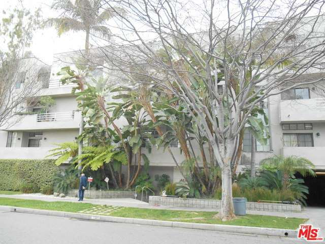 Rental Homes for Rent, ListingId:32343236, location: 235 South REEVES Drive Beverly Hills 90212