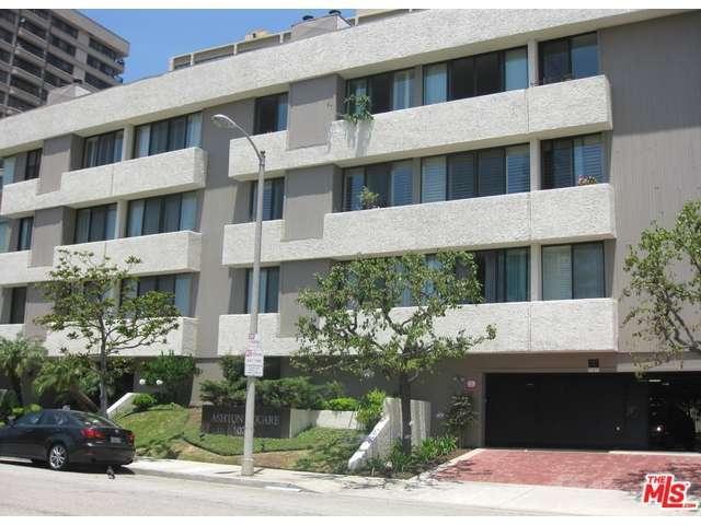 Rental Homes for Rent, ListingId:32379439, location: 10739 ASHTON Avenue Los Angeles 90024