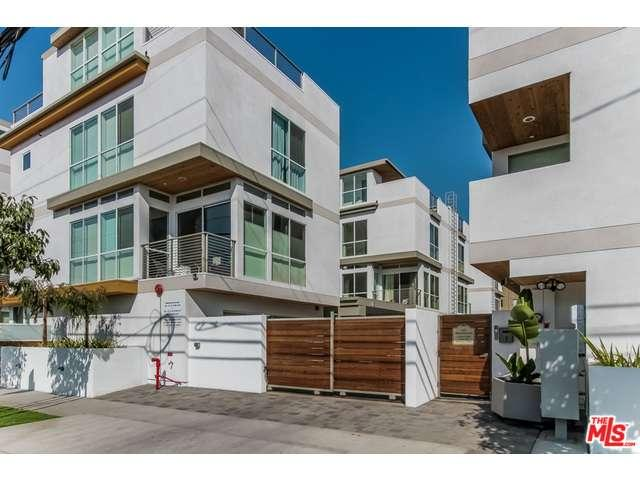 Rental Homes for Rent, ListingId:32455292, location: 1215 North GARBO Lane Los Angeles 90038