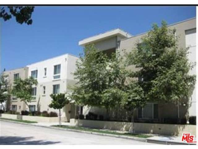 Rental Homes for Rent, ListingId:32477781, location: 10609 BLOOMFIELD Street Toluca Lake 91602