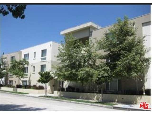 Rental Homes for Rent, ListingId:32477781, location: 10609 BLOOMFIELD Street Toluca Lake 91602