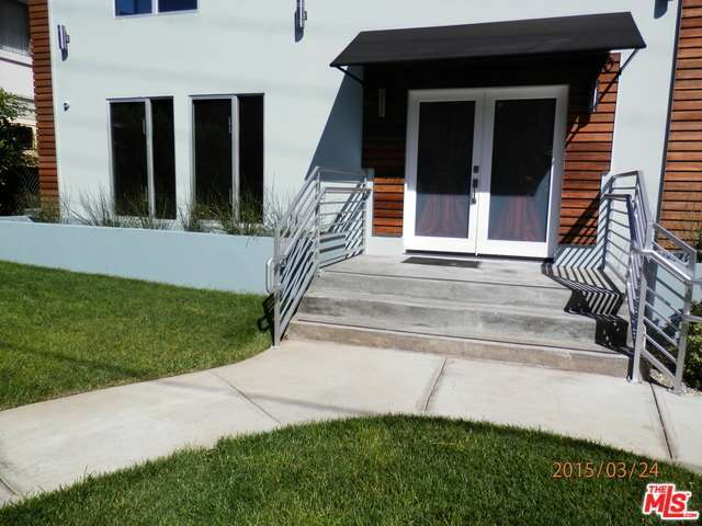 Rental Homes for Rent, ListingId:32478376, location: 1950 North BEACHWOOD Drive Los Angeles 90068