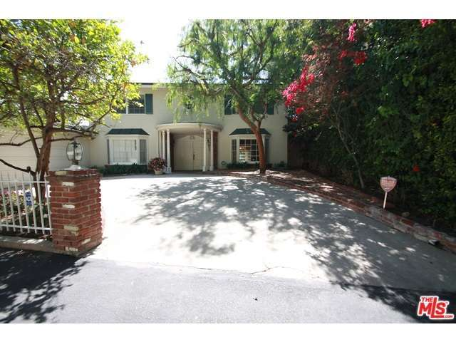 Rental Homes for Rent, ListingId:32632885, location: 1246 North NORMAN Place Los Angeles 90049