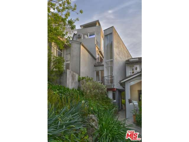 Rental Homes for Rent, ListingId:32650719, location: 8047 WOODROW WILSON Drive Los Angeles 90046