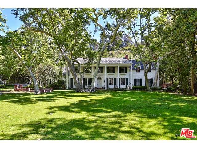 Rental Homes for Rent, ListingId:32662737, location: 2220 MANDEVILLE CANYON Road Los Angeles 90049