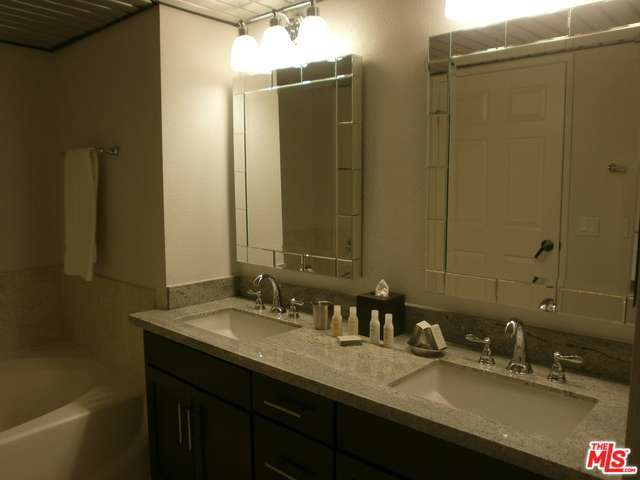 Rental Homes for Rent, ListingId:32706809, location: 10833 WILSHIRE Boulevard Los Angeles 90024