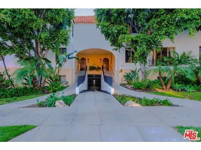 Rental Homes for Rent, ListingId:32725872, location: 1345 North HAYWORTH Avenue West Hollywood 90046