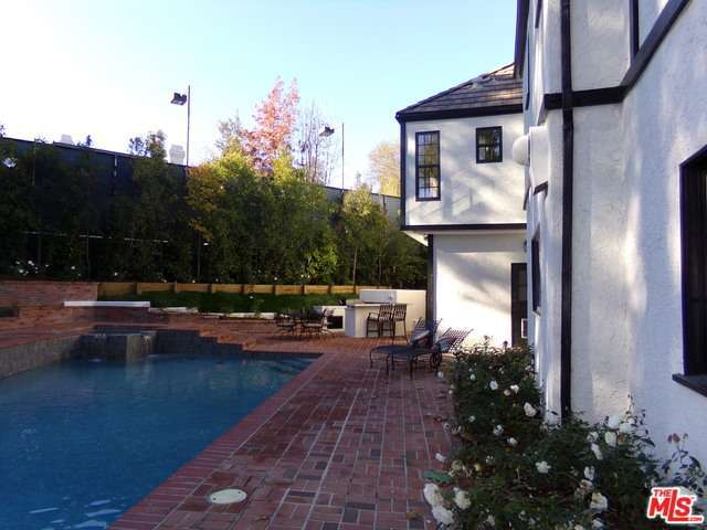 Rental Homes for Rent, ListingId:32725857, location: 4461 VANALDEN Avenue Tarzana 91356