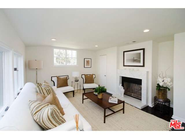 Rental Homes for Rent, ListingId:32774060, location: 249 North WINDSOR Boulevard Los Angeles 90004