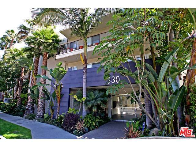 Rental Homes for Rent, ListingId:32844609, location: 330 South BARRINGTON Avenue Los Angeles 90049