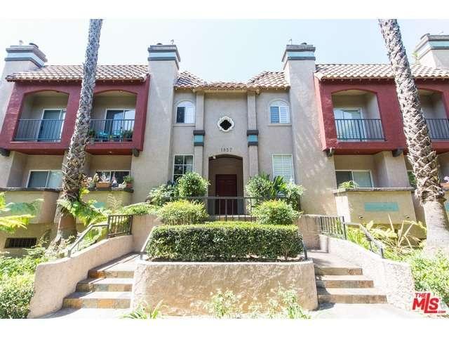 Rental Homes for Rent, ListingId:32946031, location: 1957 North BRONSON Avenue Los Angeles 90068