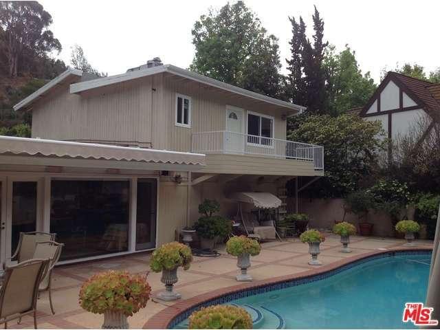 Rental Homes for Rent, ListingId:32966805, location: 921 ROSCOMARE Road Los Angeles 90077
