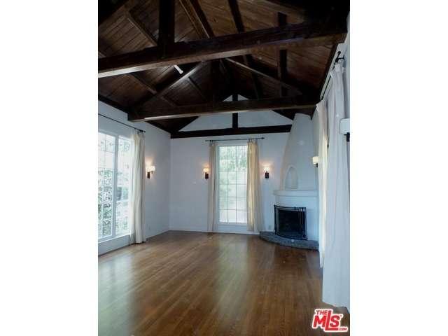 Rental Homes for Rent, ListingId:33009326, location: 3116 LAKE HOLLYWOOD Drive Hollywood 90068
