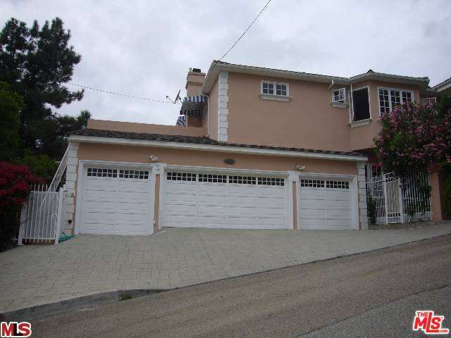 Rental Homes for Rent, ListingId:33009324, location: 1043 North BUNDY Drive Los Angeles 90049