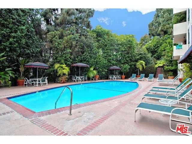Rental Homes for Rent, ListingId:33194708, location: 8530 HOLLOWAY Drive West Hollywood 90069