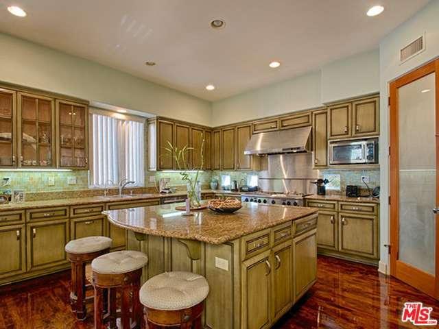 Rental Homes for Rent, ListingId:33368874, location: 139 WESTWIND Marina del Rey 90292