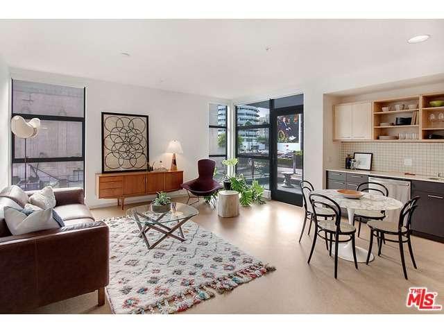 Rental Homes for Rent, ListingId:33356201, location: 6201 HOLLYWOOD Boulevard Los Angeles 90028