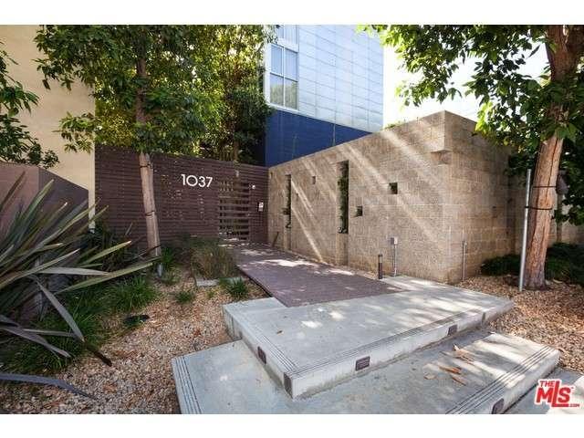 Rental Homes for Rent, ListingId:33356148, location: 1037 North LAUREL Avenue West Hollywood 90046