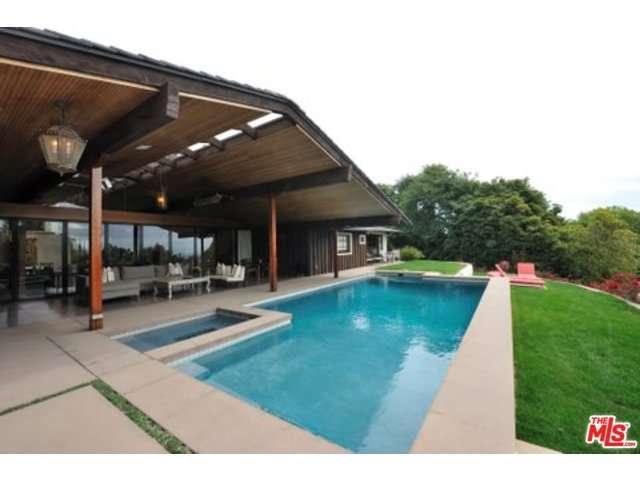 Rental Homes for Rent, ListingId:33368825, location: 1805 WESTRIDGE Road Los Angeles 90049