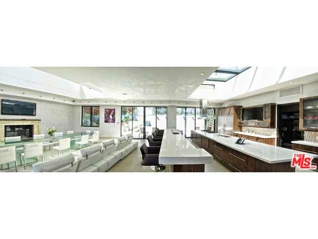 Rental Homes for Rent, ListingId:33368612, location: 6435 WEIDLAKE Drive Los Angeles 90068