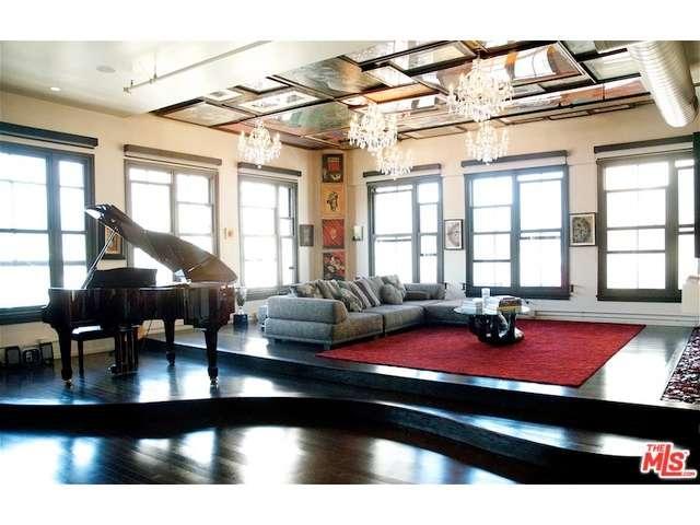 Rental Homes for Rent, ListingId:33646894, location: 1645 VINE Street Los Angeles 90028
