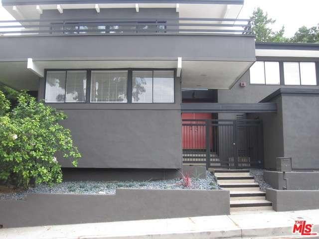 Rental Homes for Rent, ListingId:33596075, location: 3531 ALANA Drive Sherman Oaks 91403