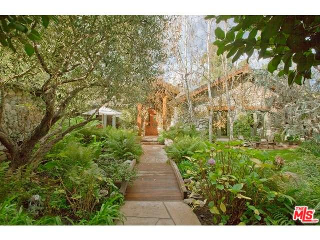Rental Homes for Rent, ListingId:34257123, location: 12733 PARKYNS Street Los Angeles 90049