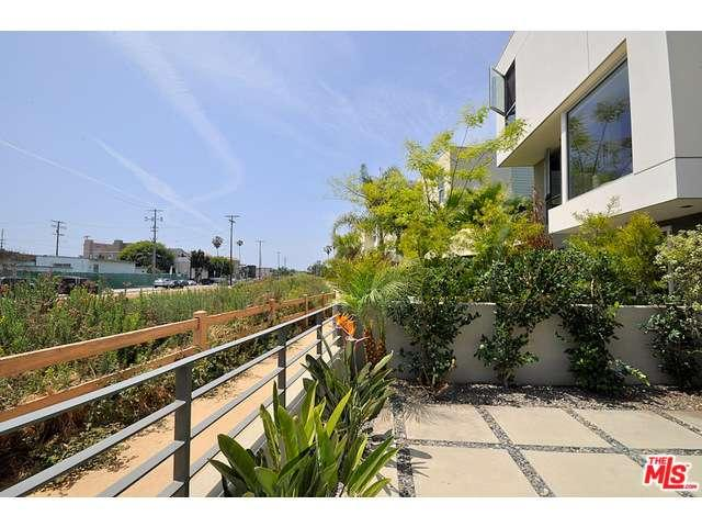 Rental Homes for Rent, ListingId:33691917, location: 310 WASHINGTON Marina del Rey 90292