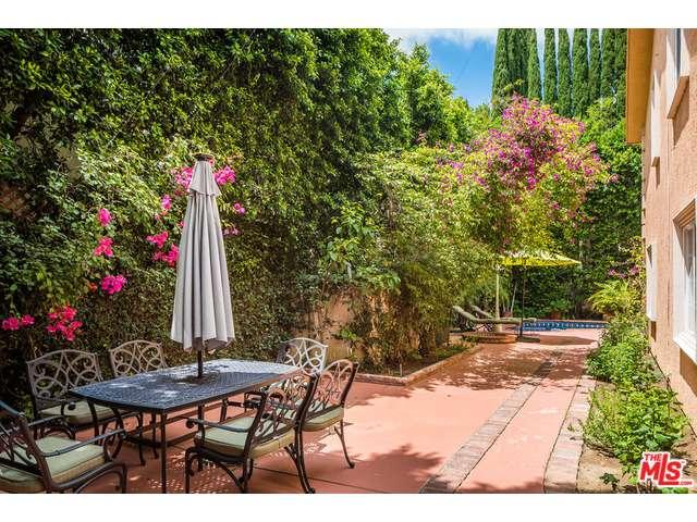 One of Tarzana 4 Bedroom Two Story Homes for Sale