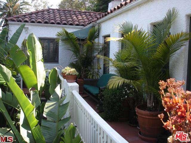 Rental Homes for Rent, ListingId:33774037, location: 2171 VISTA DEL MAR Street Los Angeles 90068