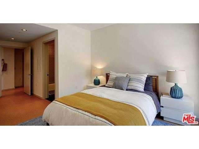 Rental Homes for Rent, ListingId:33851320, location: 6201 HOLLYWOOD Boulevard Hollywood 90028