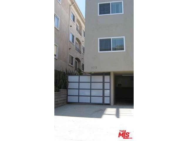 Rental Homes for Rent, ListingId:33901694, location: 11915 DARLINGTON Avenue Los Angeles 90049