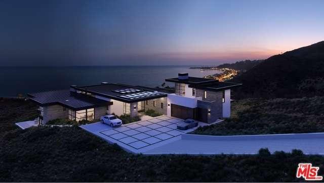 Land for Sale, ListingId:33901650, location: 5012 CARBON BEACH Terrace Malibu 90265