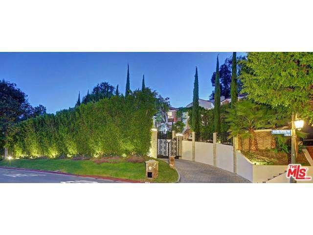 Rental Homes for Rent, ListingId:33953506, location: 725 North FARING Road Los Angeles 90077