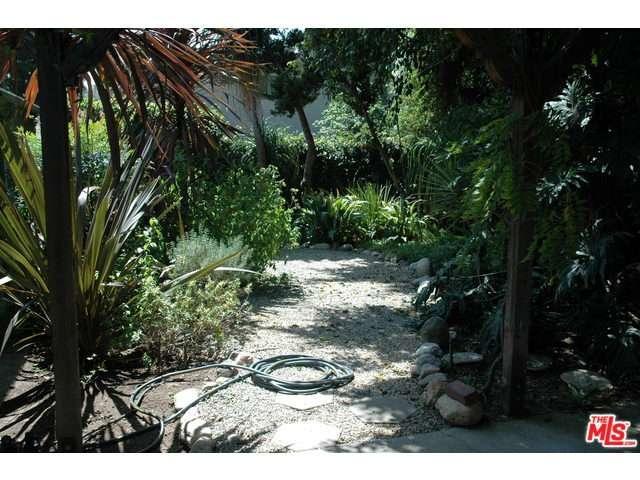 Rental Homes for Rent, ListingId:34086296, location: 2619 GLENDALE Boulevard Los Angeles 90039