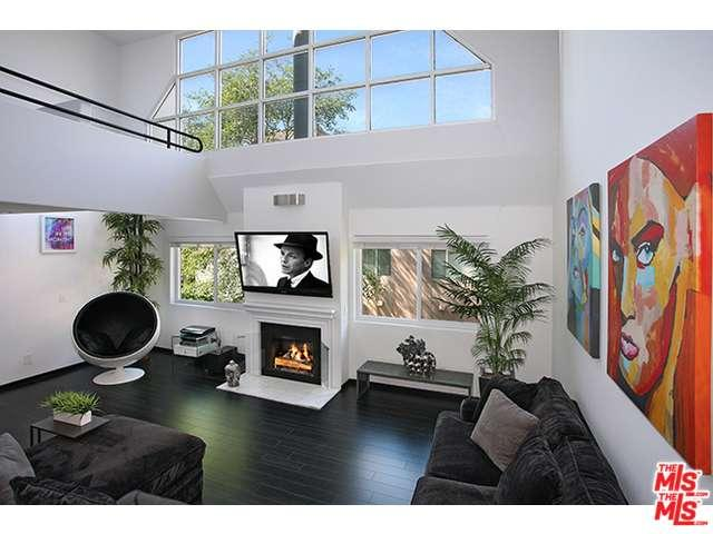 Rental Homes for Rent, ListingId:34145975, location: 14235 DICKENS Street Sherman Oaks 91423