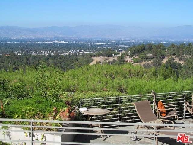 Rental Homes for Rent, ListingId:34257168, location: 4626 MONARCA Drive Tarzana 91356