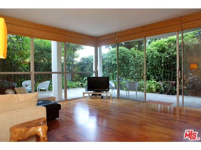 Rental Homes for Rent, ListingId:34257152, location: 4411 LOS FELIZ Los Angeles 90027