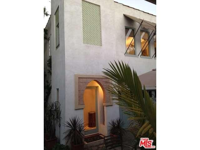 Rental Homes for Rent, ListingId:34455069, location: 146 South LARCHMONT Boulevard Los Angeles 90004