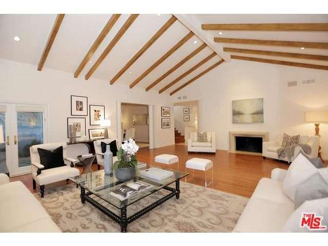 Rental Homes for Rent, ListingId:34548489, location: 4421 HUERTA Court Encino 91436