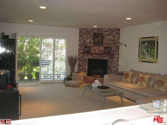 Rental Homes for Rent, ListingId:34455121, location: 2385 ROSCOMARE Road Los Angeles 90077
