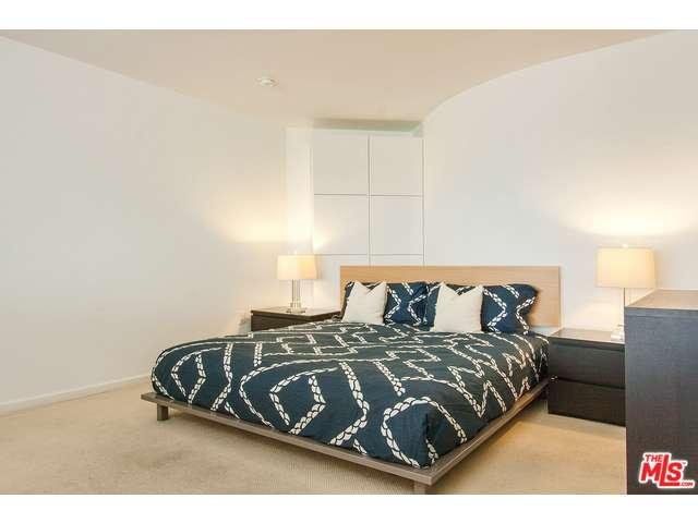 Rental Homes for Rent, ListingId:34532889, location: 1100 WILSHIRE Los Angeles 90017
