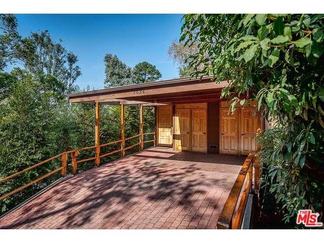 Rental Homes for Rent, ListingId:34559993, location: 3034 VALEVISTA Trails Los Angeles 90068
