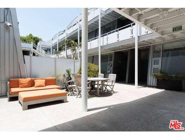 Rental Homes for Rent, ListingId:34575662, location: 615 HAMPTON Drive Venice 90291