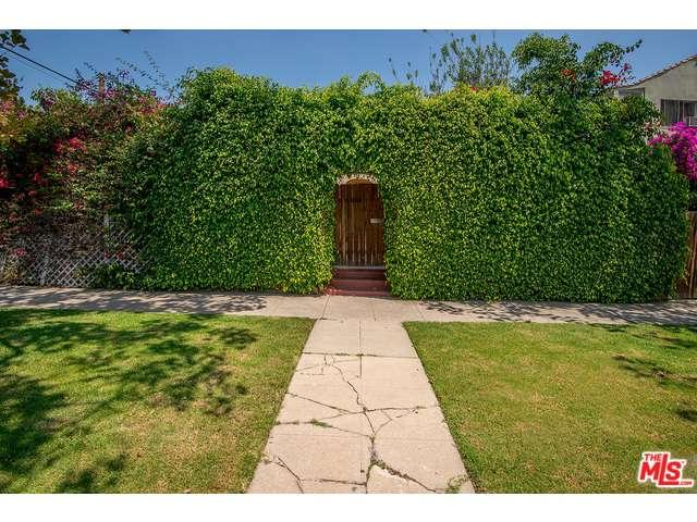 Rental Homes for Rent, ListingId:34629878, location: 6918 WILLOUGHBY Avenue Los Angeles 90038
