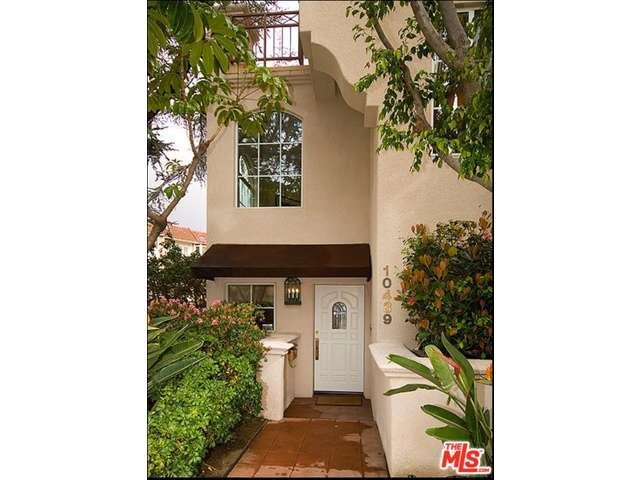 Rental Homes for Rent, ListingId:34599585, location: 10439 MOORPARK Street Toluca Lake 91602
