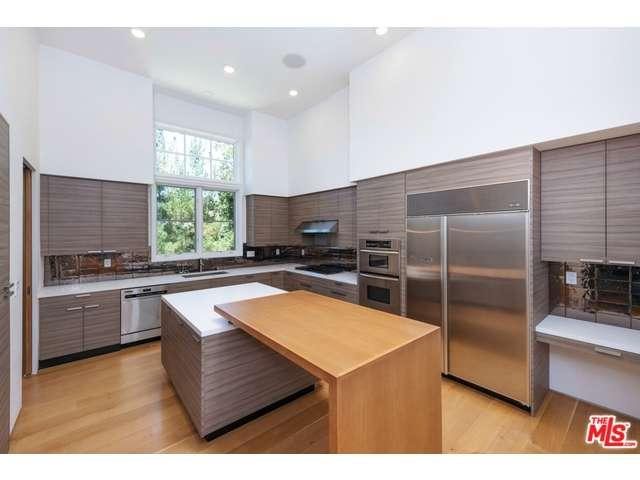 Rental Homes for Rent, ListingId:34780362, location: 2371 BUCKINGHAM Lane Los Angeles 90077