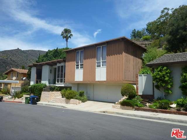 Rental Homes for Rent, ListingId:34800688, location: 11807 BEL Terrace Los Angeles 90049