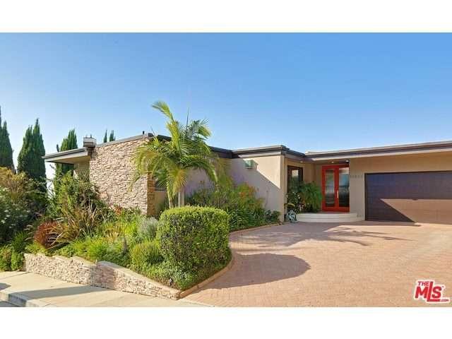 Rental Homes for Rent, ListingId:34889595, location: DONA EVITA Drive Studio City 91604