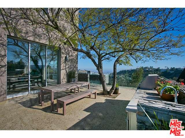 Rental Homes for Rent, ListingId:34957804, location: 2750 CARDWELL Place Los Angeles 90046